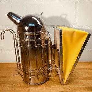 Edelstahlsmoker Produktbild 1 - BeeHappy Imker Grundausstattung - quadrat
